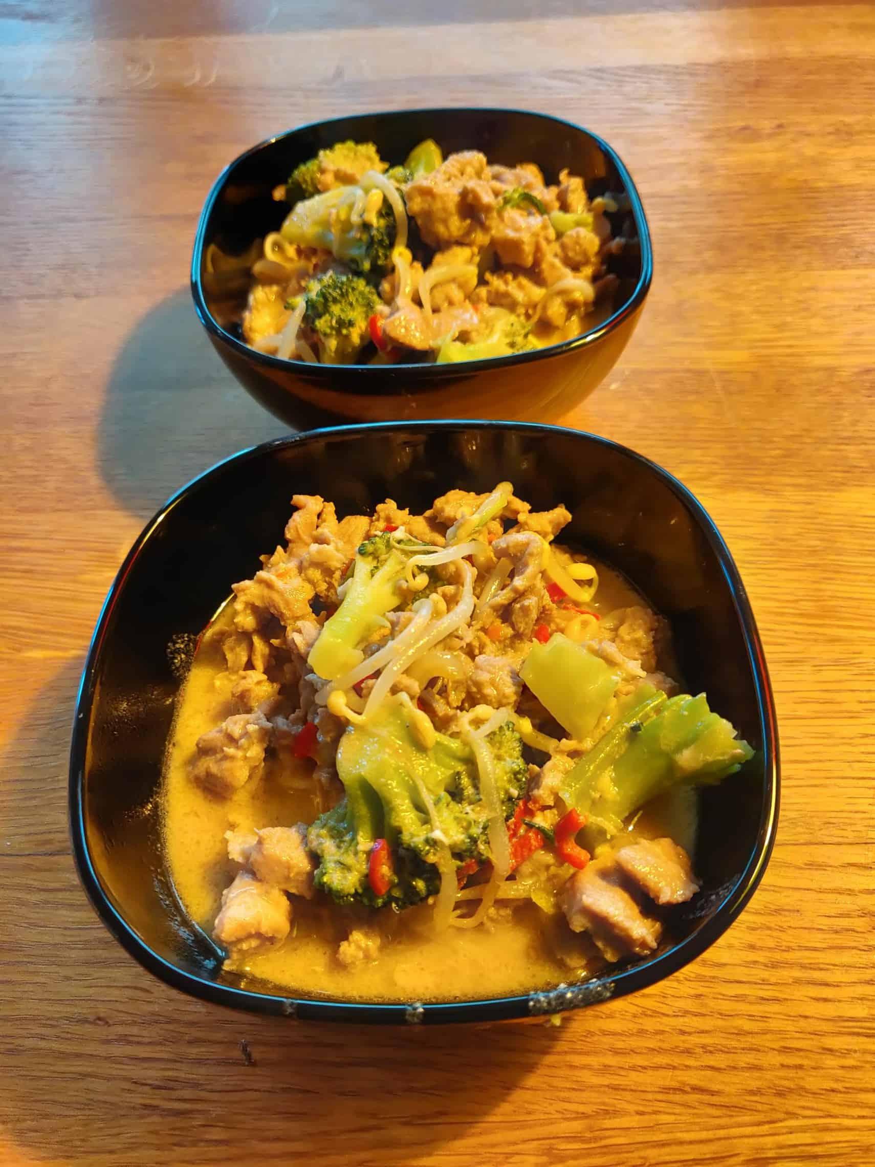 Grön curry med kyckling och nudlar 1